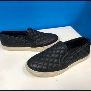 Steve Madden Eccentric Black Slip-Ons